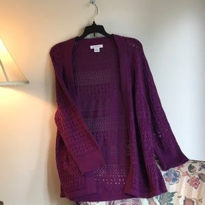Beautiful magenta crochet style sweater. Size XL.